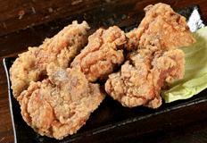 とりいち津大里店サイドメニュー「若鶏の唐揚げ」